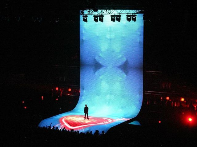 GEORGE MICHAEL STAGE DESIGN 01