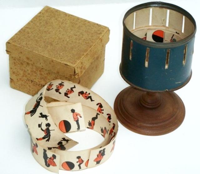 zoetrope-M.-Bradley-small-in-box-I