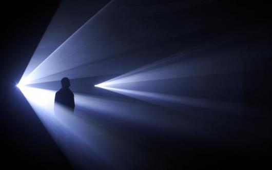 Anthony McCall. You and I, Horizontal (III) (2007). Installation view at the Serpentine Gallery, London, 2007-2_0