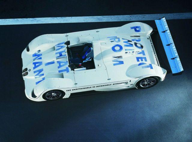 Jenny-Holzer-USA-1999-BMW-V12-LMR-art-car-Side-Top